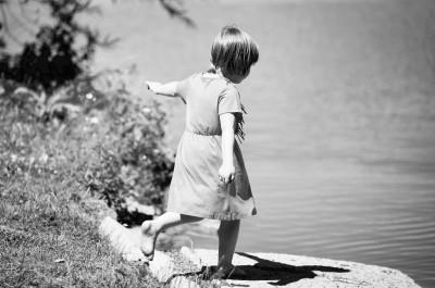 Se cacher, s'exiler, s'intégrer: des jeux d'enfant
